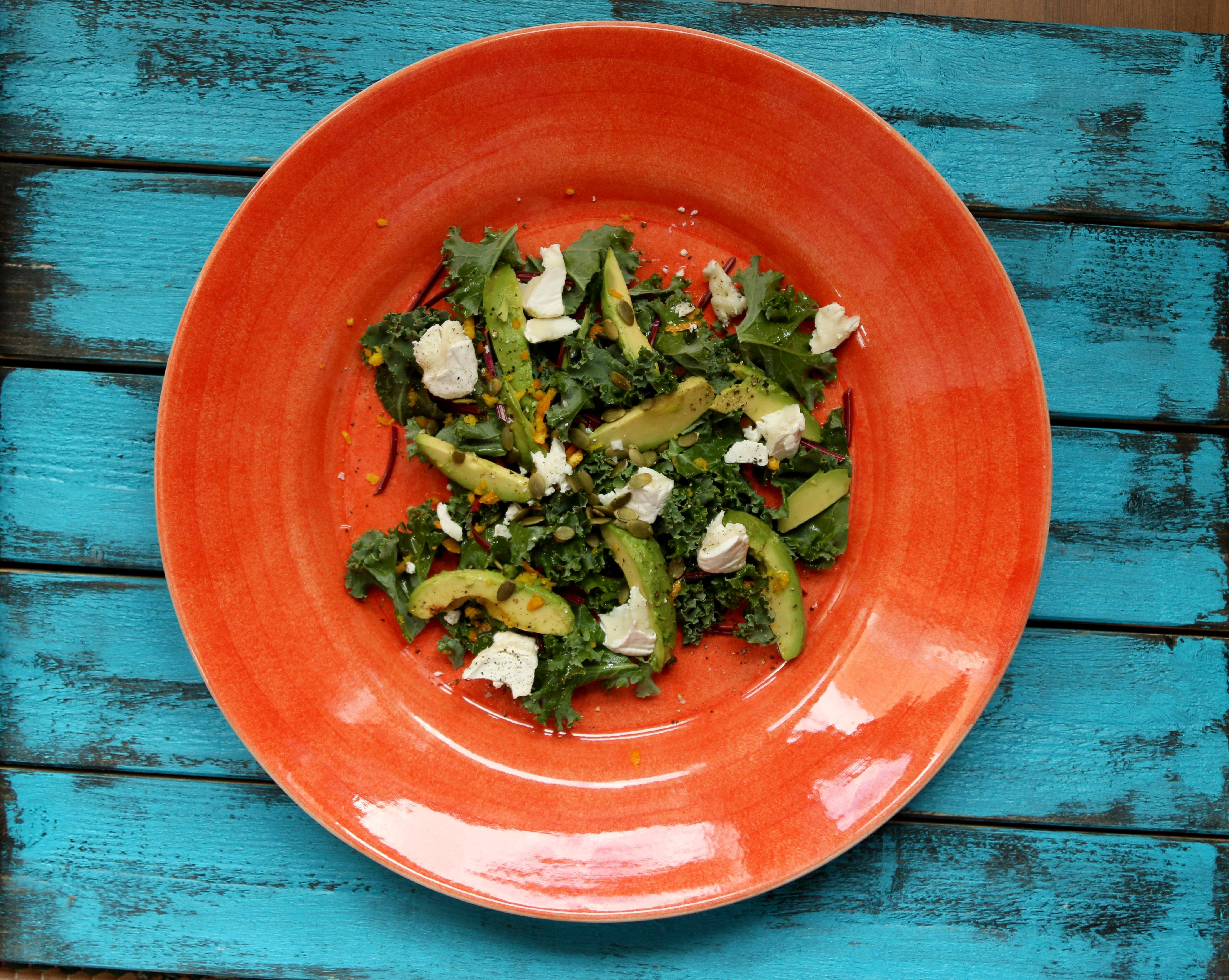 grönkålssallad med feta