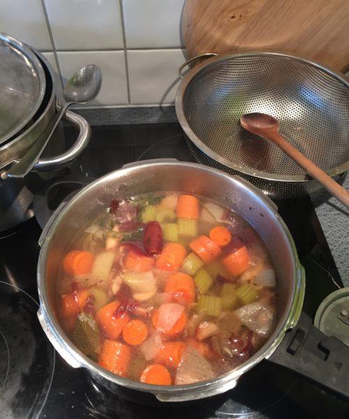Grönsaksbuljong recept